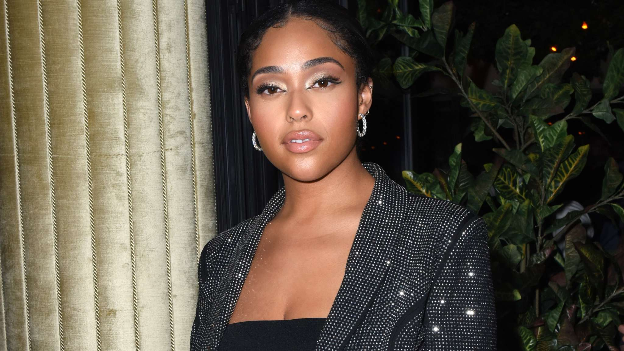 Jordyn Woods Breaks The Internet With This Video In Which She's Showing A Lot Of Skin - Tamar Braxton Praises Her