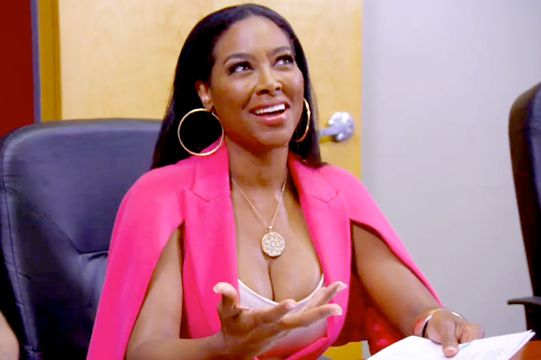 Kenya Moore's Baby Brooklyn Daly Is Snatching Her Mom's Edges In This New Video