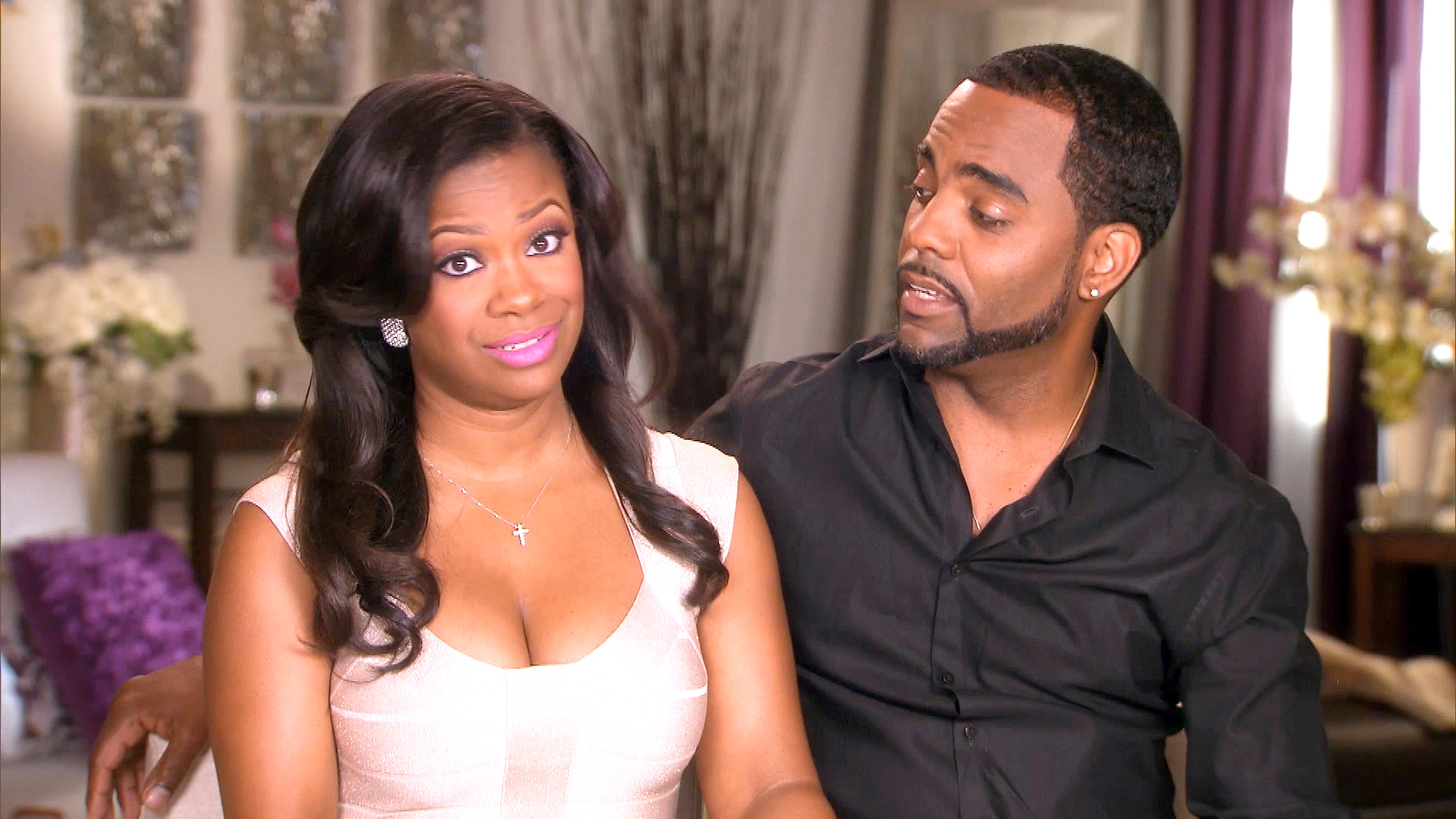 """kandi-burruss-is-proud-to-receive-the-woman-of-creative-excellence-award-she-looks-gorgeous-in-red-with-todd-tucker-by-her-side"""