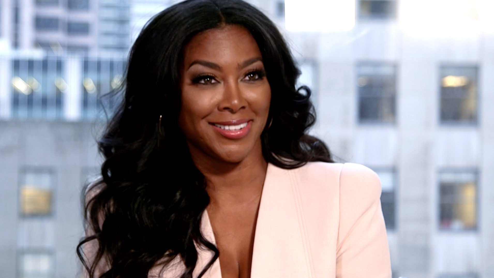 "Kenya Moore Shares Pics Of Her Jaw-Dropping 24"" Of Waist Length Healthy Thick Hair"