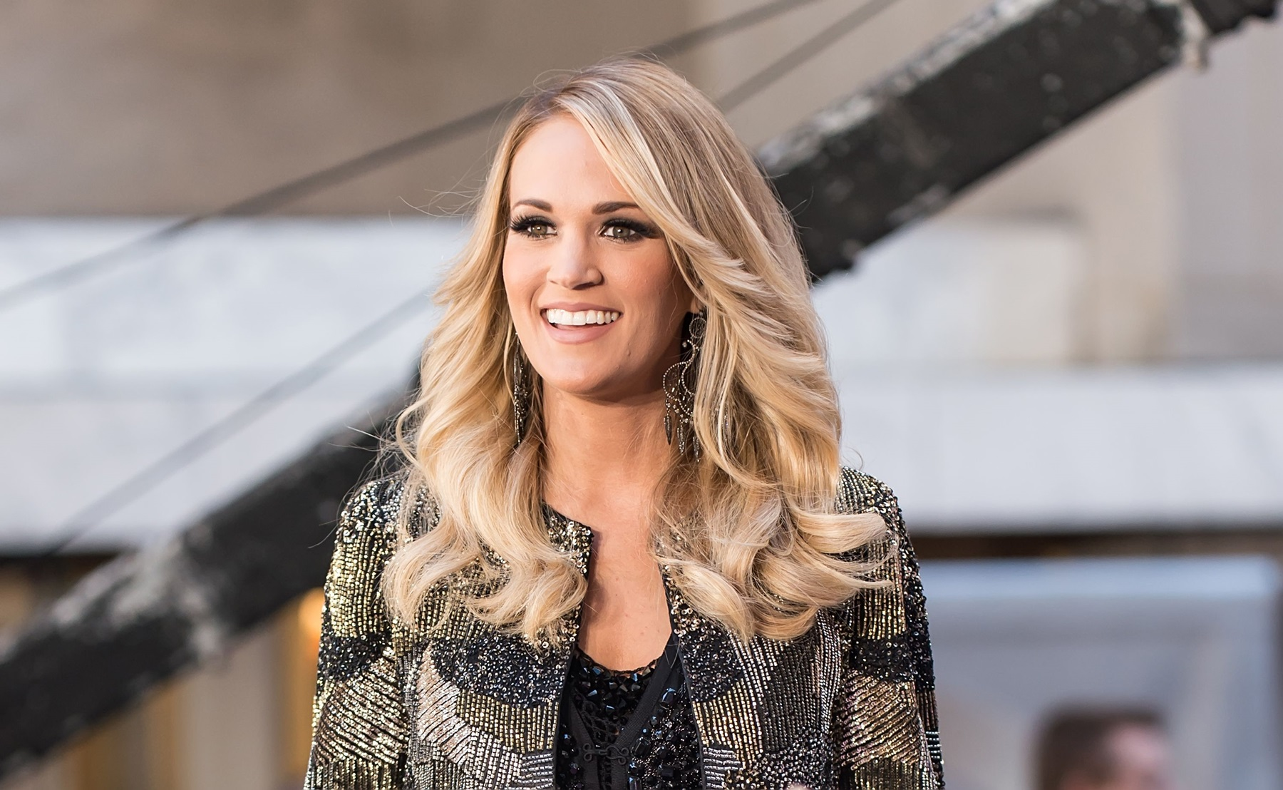 Carrie Underwood Mike Fisher Guns