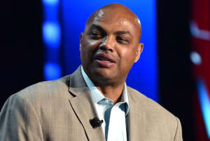 Charles Barkley Apologizes After He Tells Reporter He'd Like To Hit Her