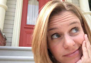 Fuller House Star Andrea Barber Reveals In New Memoir That New Kids On The Block Helped Her Get Through Her Divorce