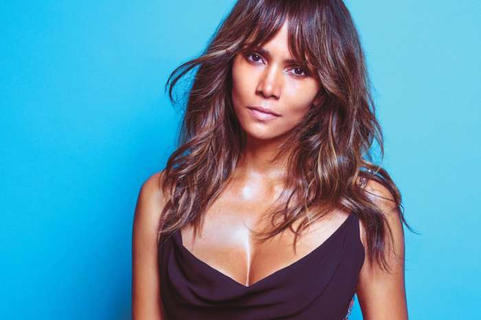 Halle Berry Shows Off Her Incredibly Defined Abs In New Gym Pic!