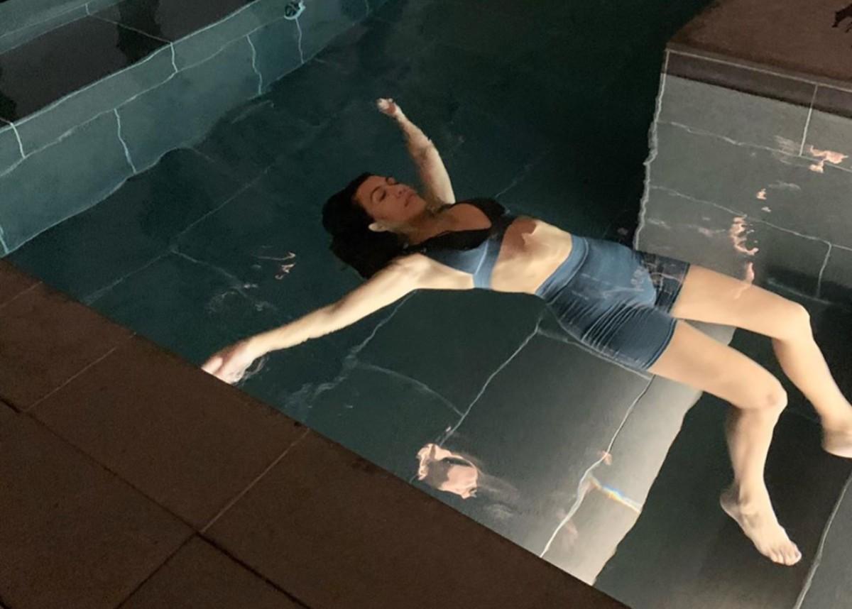 """""""kourtney-kardashian-swims-in-skims-while-staying-in-japan"""""""