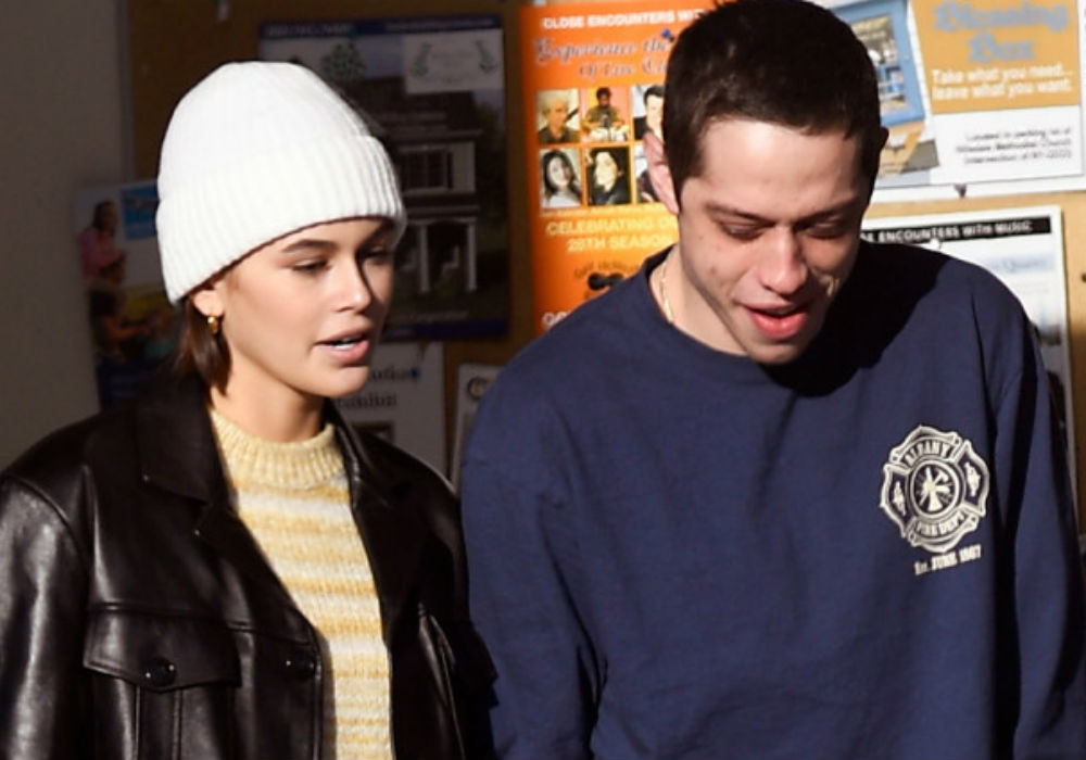 """pete-davidson-kaia-gerber-spotted-packing-on-the-pda-at-concert-in-new-york-city"""