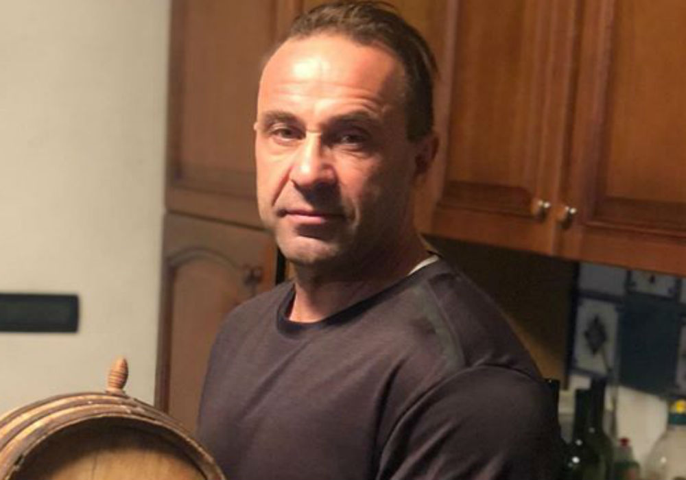 RHONJ - Joe Giudice Gives Fans A Tour Of His Apartment In Italy
