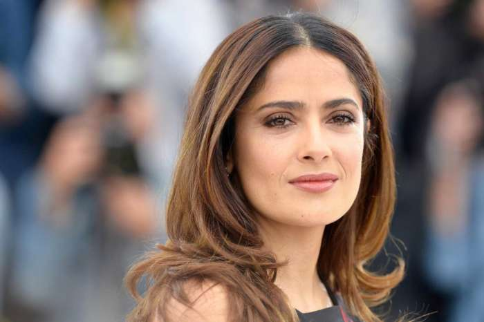 Salma Hayek Shows Off Her Natural Beauty In Makeup-Free Video And She Looks Like She's In Her 20s!