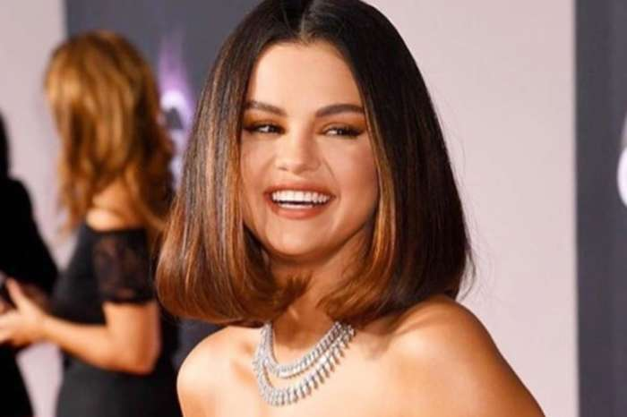 Selena Gomez Stuns In Acid Green Versace Mini Dress As She Walks The American Music Awards Red Carpet
