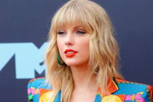 Big Machine Records Responds To Taylor Swift -- Says She's Millions Of Dollars In Debt