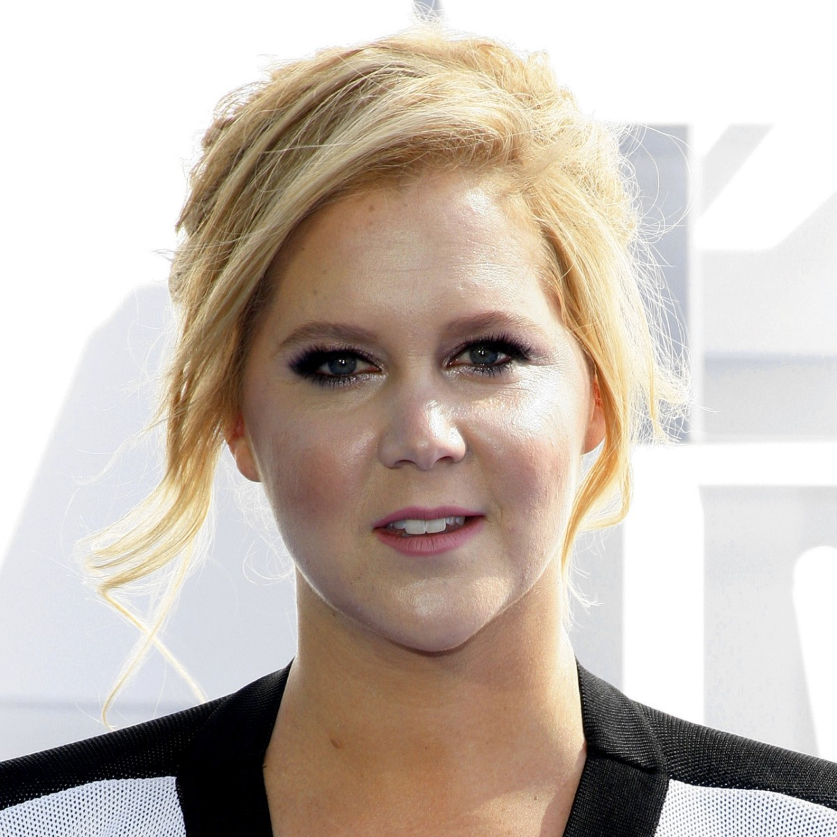 """amy-schumer-says-motherhood-has-changed-her-in-a-million-ways"""
