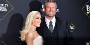 Blake Shelton Raves About 'The Hottest Girlfriend On Earth' Gwen Stefani And Showers Her With Kisses In A Cute Clip!