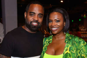 Kandi Burruss Looks Amazing At People Choice Awards - See Her Photos