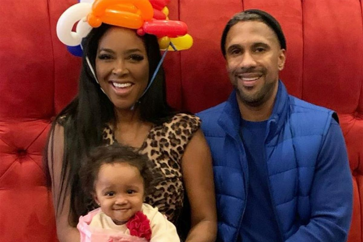 Kenya Moore Looks The Happiest In Paris For Brookie's First Anniversary