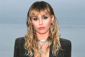 Miley Cyrus - Doctor Explains Why It's Crucial She Doesn't Talk For A While After Vocal Cord Surgery
