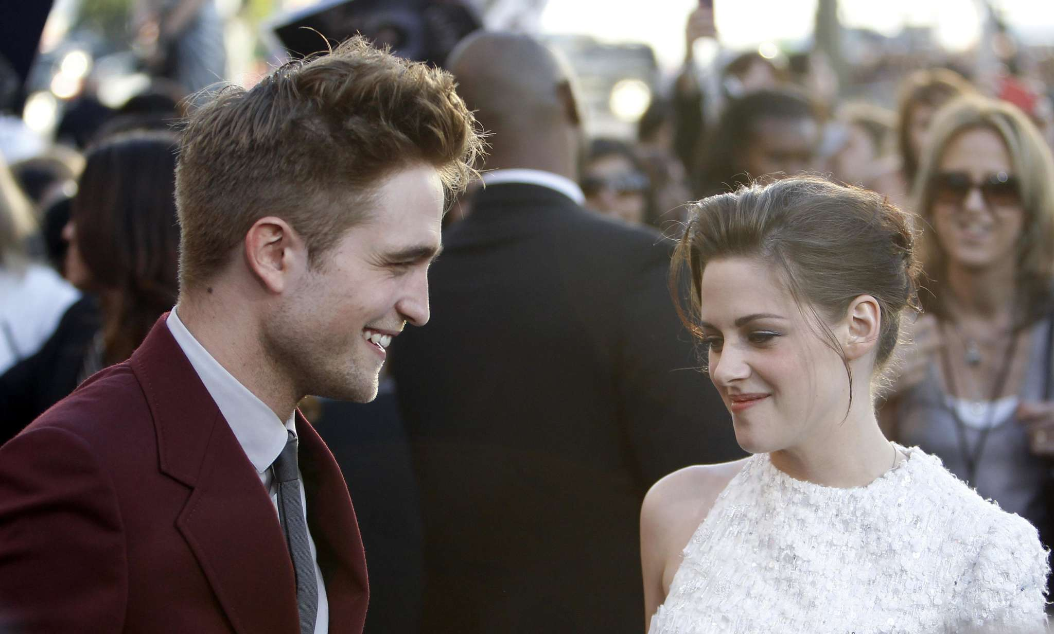 """""""kristen-stewarts-batman-support-means-the-world-to-robert-pattinson-source-says-heres-why"""""""