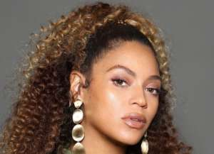 Beyonce and Her Mother, Tina Knowles Lawson, Stun In New Photos Alongside Solange And Kelly Rowland