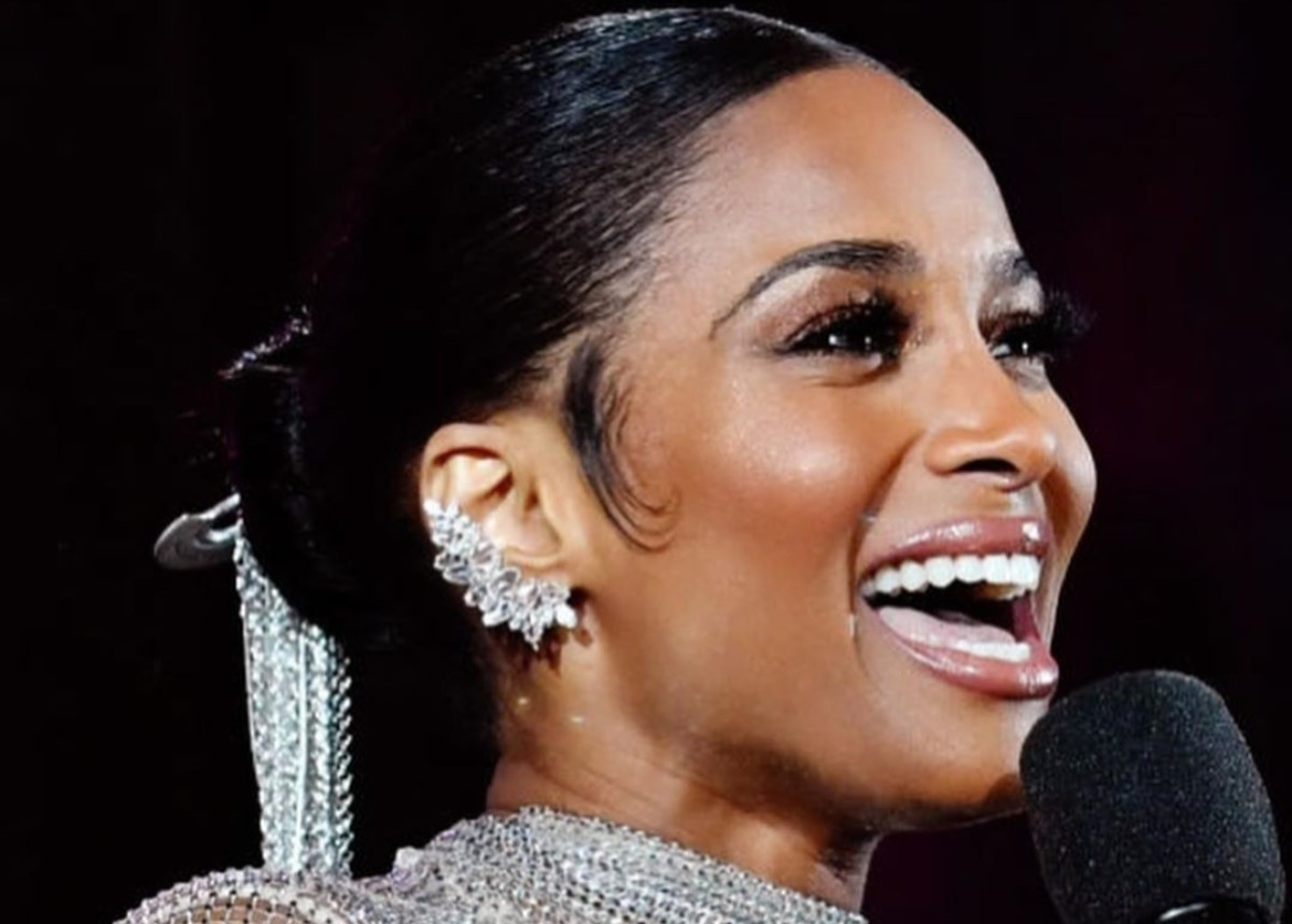 Ciara Sparkled In Jadelle Diamonds At The American Music Awards — See The Jewels She Wore