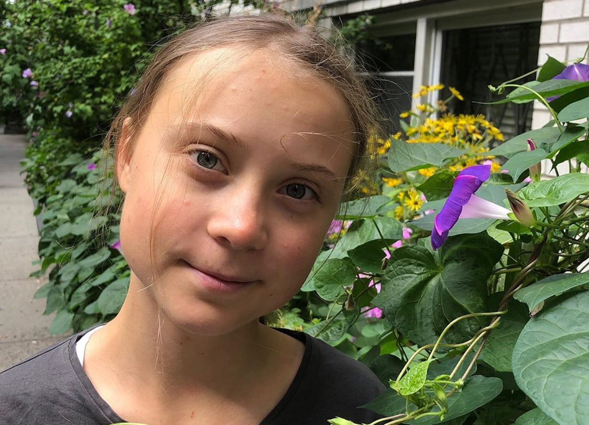 """greta-thunberg-is-surrounded-by-this-wild-rumor-of-time-travel"""