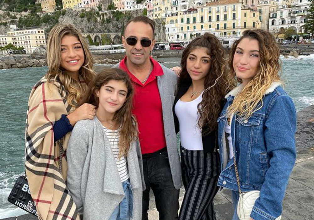 Joe Giudice Says He's Letting Go Of 2019 And Promises His Daughters 'The Best Of Me In 2020'