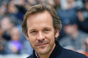 Peter Sarsgaard Joins The Cast Of New Robert Pattinson Flick The Batman