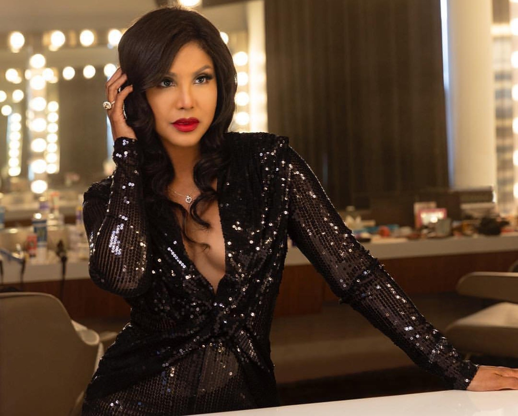 Toni Braxton's Throwback Photo Has Fans Praising Her Like There's No Tomorrow - See It Here
