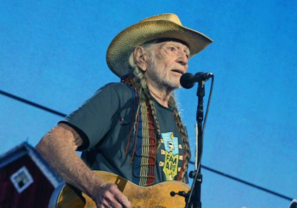 End of an Era: Willie Nelson Quit Smoking Weed