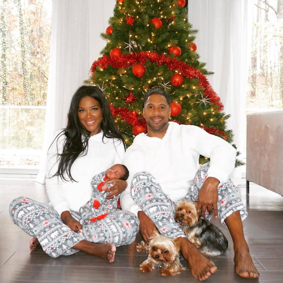 Kenya Moore's Fans Are Begging Her To Fix Things With Marc Daly And Keep Her Family Together