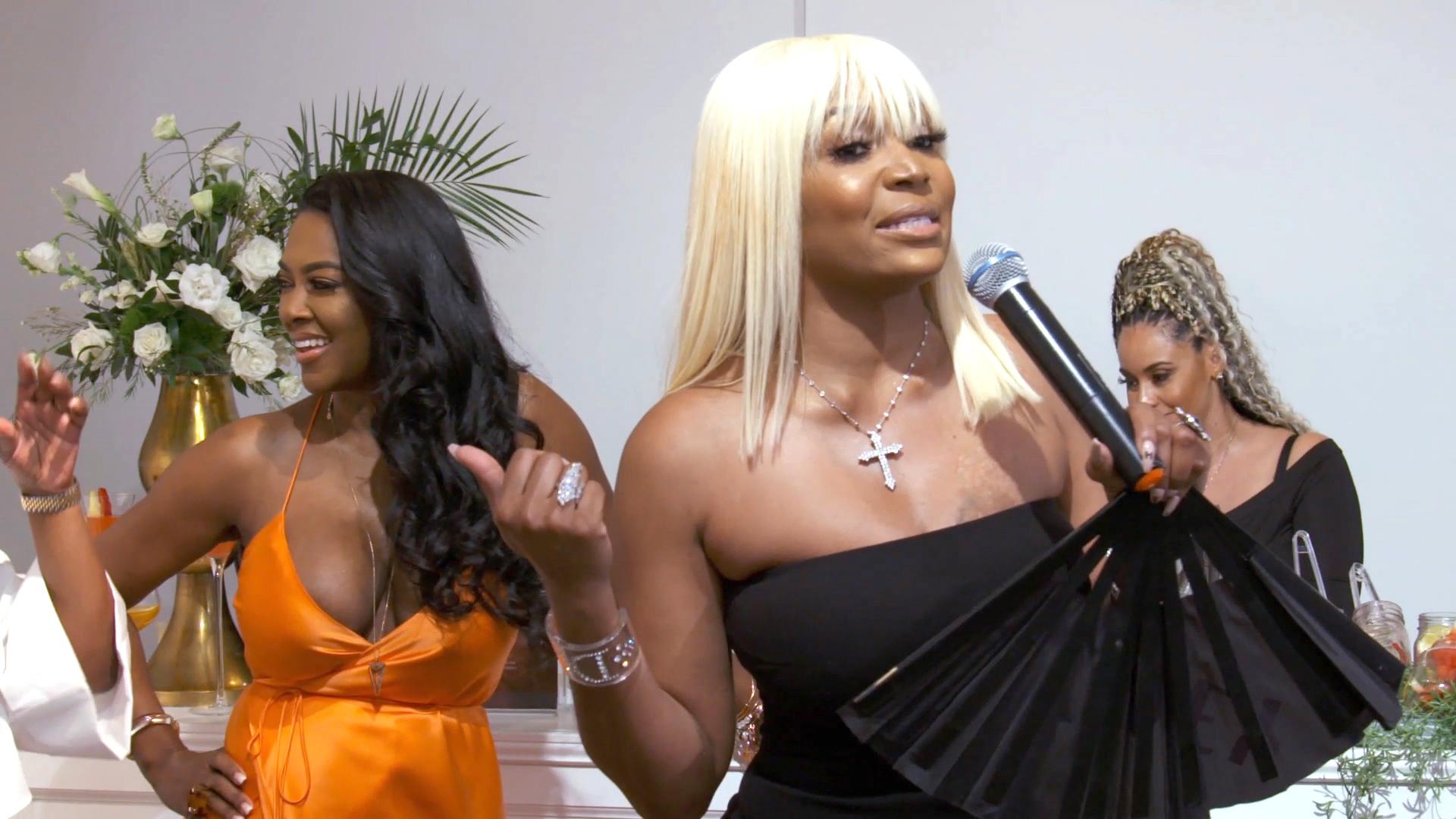 Kenya Moore's Fans Tell Her To Beware Of Marlo Hampton