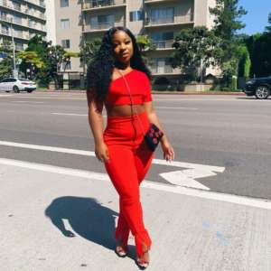 Reginae Carter Shows Fans The Secret To Her Small Waist
