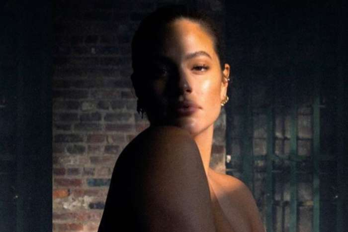 Ashley Graham Bares All In New Pregnancy Photo And Not Everyone Is Thrilled About It