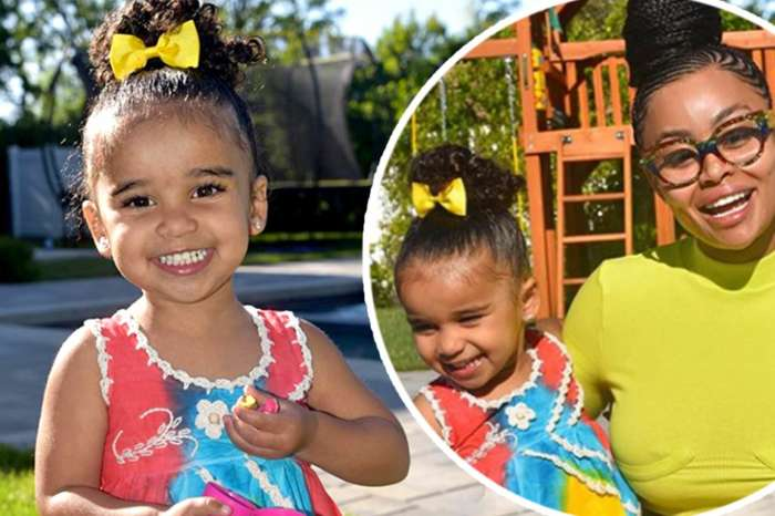 Blac Chyna Posts Super Cute Clips Of Daughter Dream Wearing Pretty Earrings And Knowing Her Colors!
