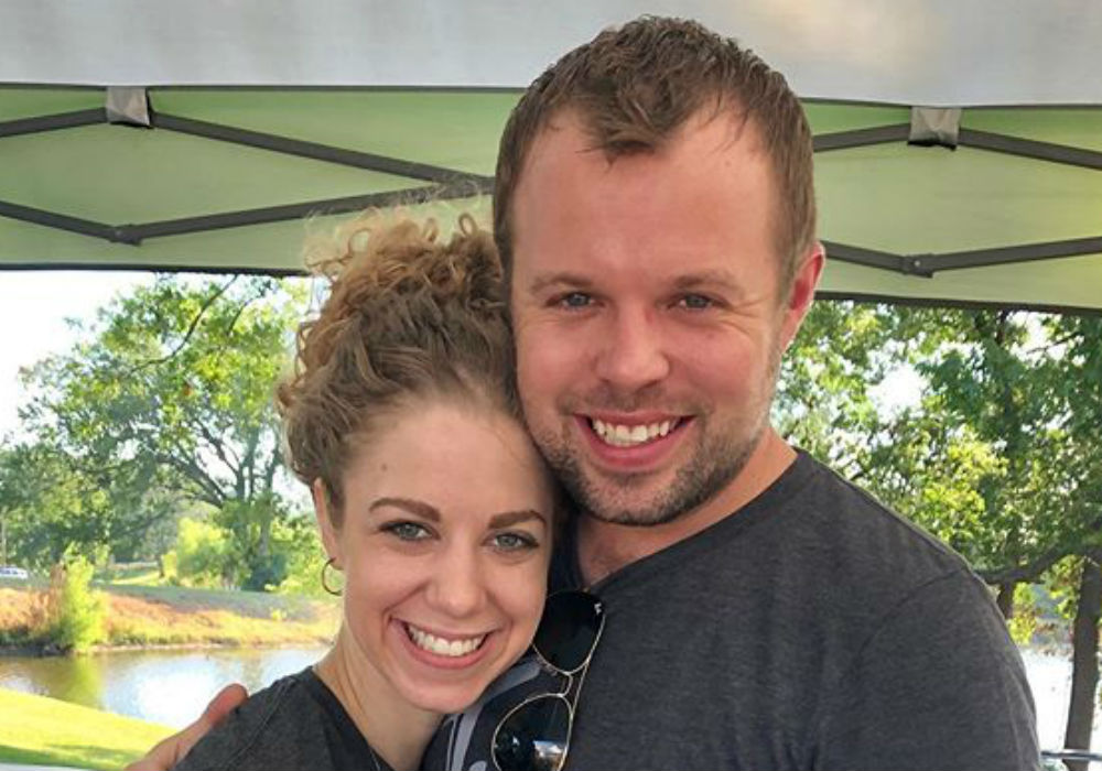 Counting On - John David Duggar & Abbie Grace Burnett Share First At-Home Pic Of Newborn Daughter