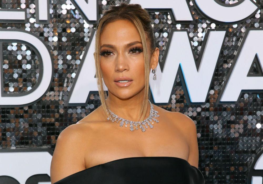 Jennifer Lopez Sparkles At SAG Awards In $9 Million Of Diamonds