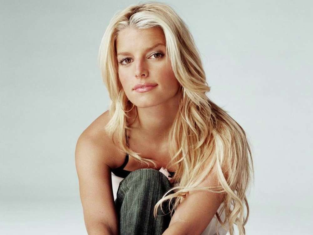 jessica-simpson-doesnt-care-what-ex-john-mayer-thinks-of-her-new-memoir