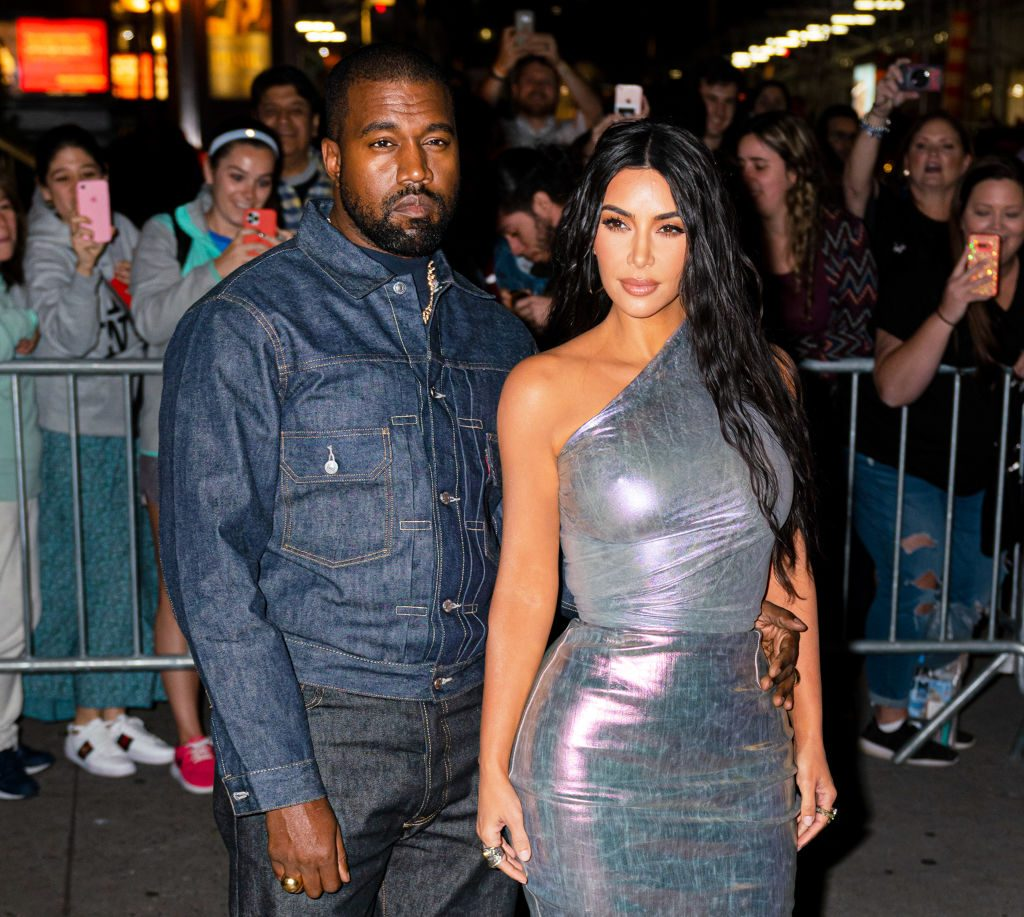 Kanye West turns text message into gold necklace for Kim Kardashian