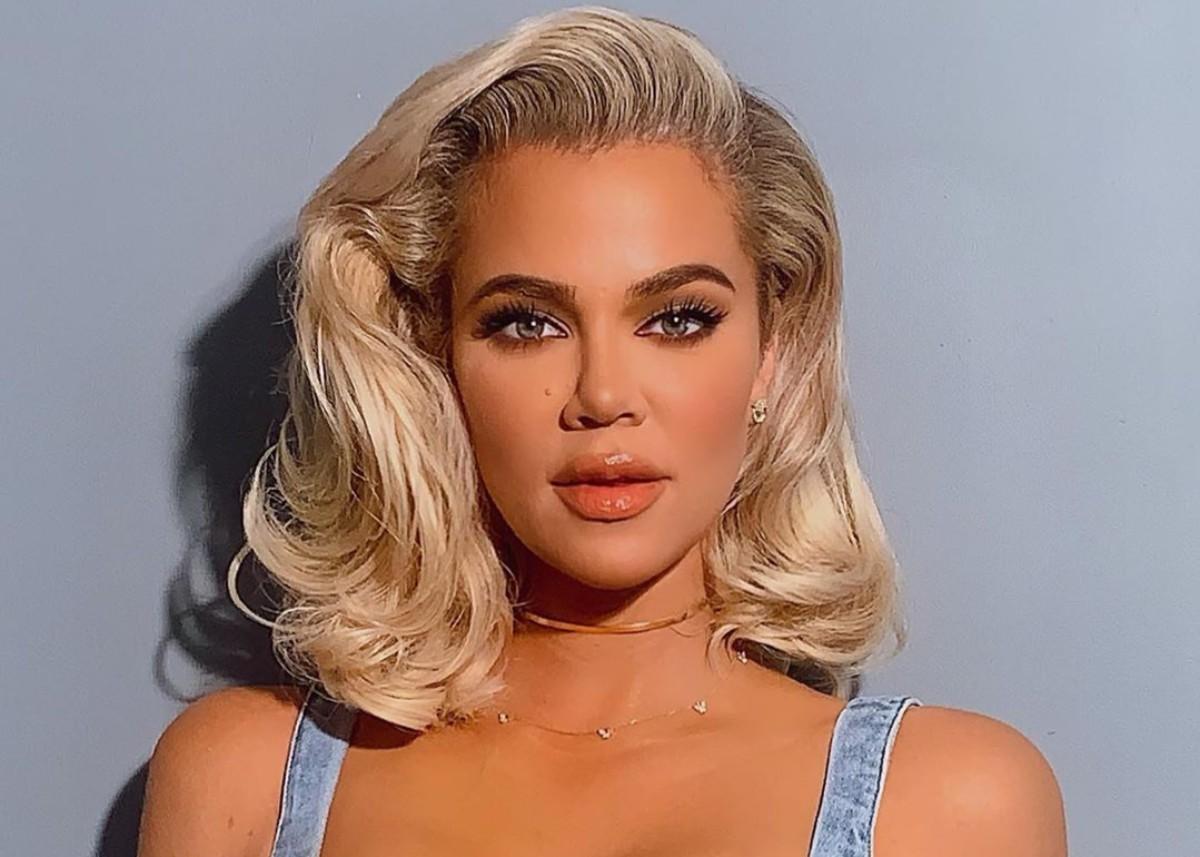 Khloe Kardashian Accused Of Photoshop Fail For This Photo
