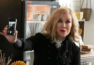 Schitt's Creek - Catherine O'Hara Says The Popular Series 'Really Wrapped Up Beautifully'