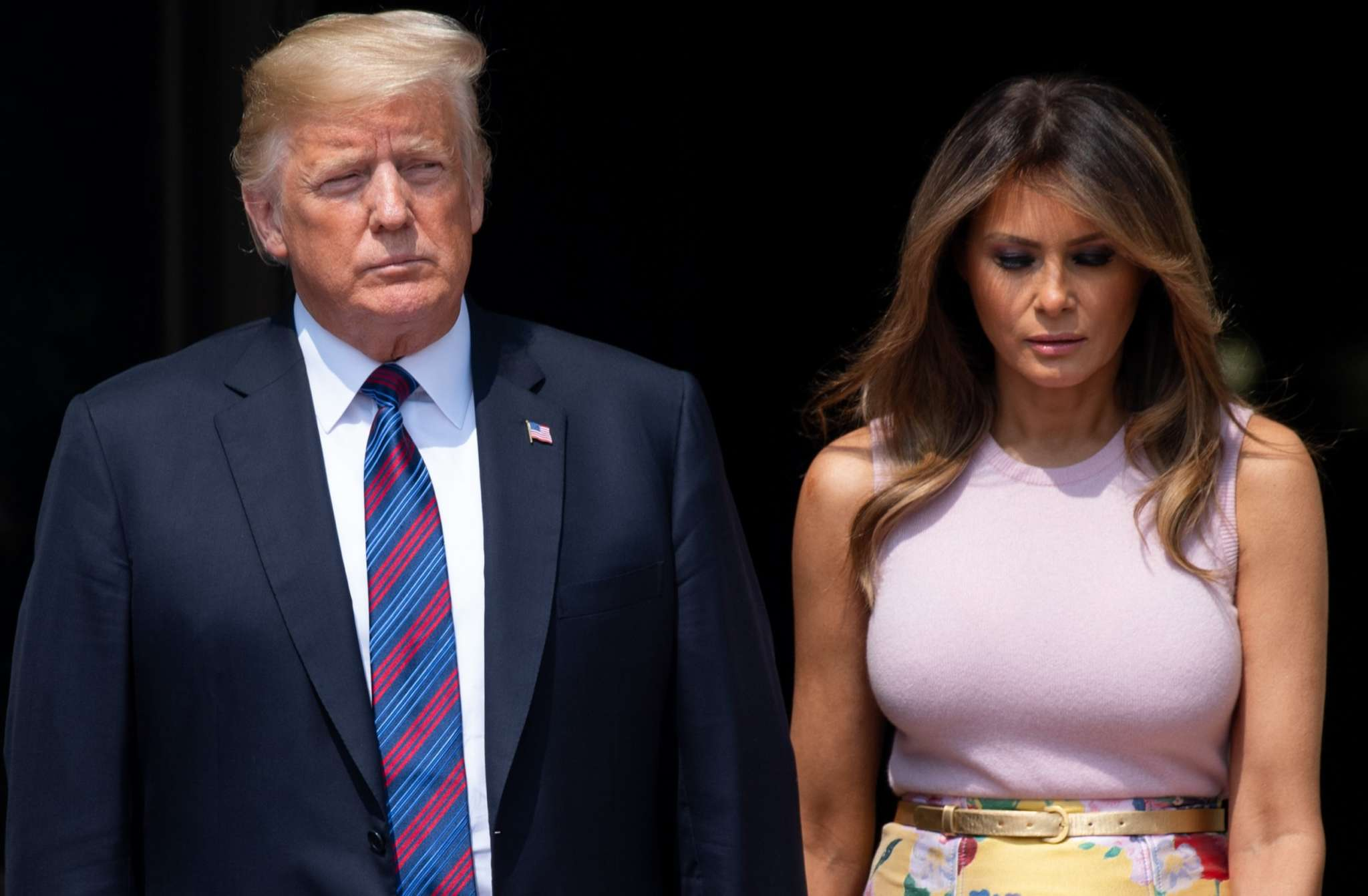 """""""melania-and-donald-trump-involved-in-yet-another-hand-gate-check-out-the-awkward-video"""""""