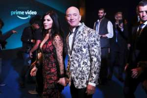 Jeff Bezos And Lauren Sanchez Make Their Romance Red Carpet Official!