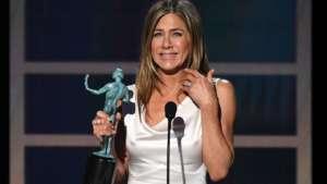 Jennifer Aniston Gets Emotional After Winning Her First SAG Award Since 1996!