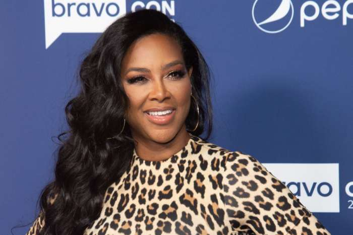 Kenya Moore Mesmerizes Fans With This Gorgeous Photo Of Herself - Check It Out Here
