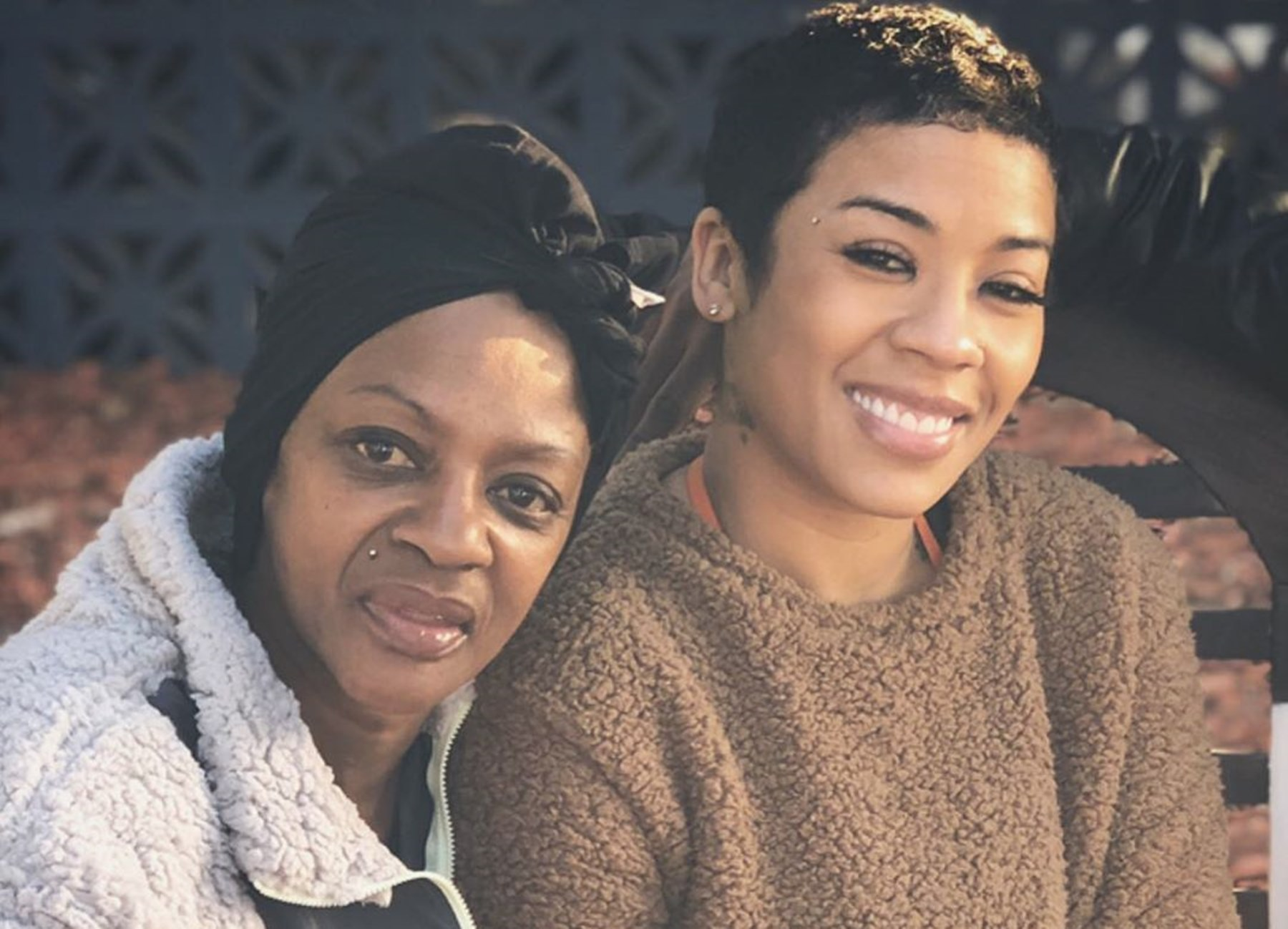 """keyshia-cole-gives-an-emotional-update-on-her-mother-francine-frankie-lons-who-has-been-in-rehab-for-30-days"""
