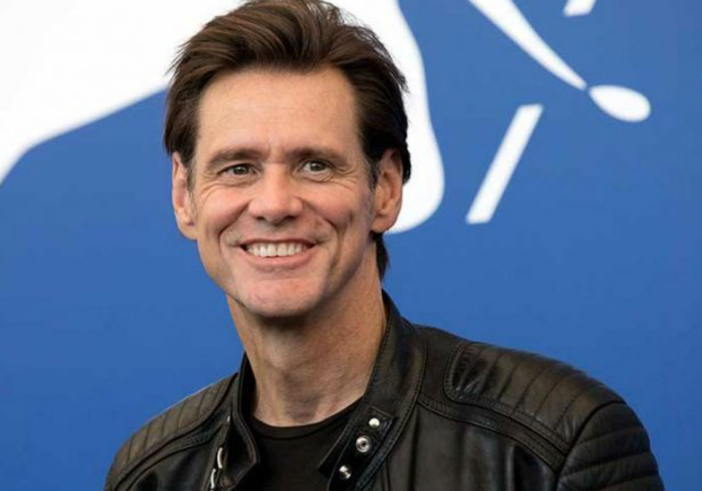 """jim-carrey-slammed-for-innocent-flirting-with-journalist-says-his-interview-with-her-was-on-his-bucket-list"""