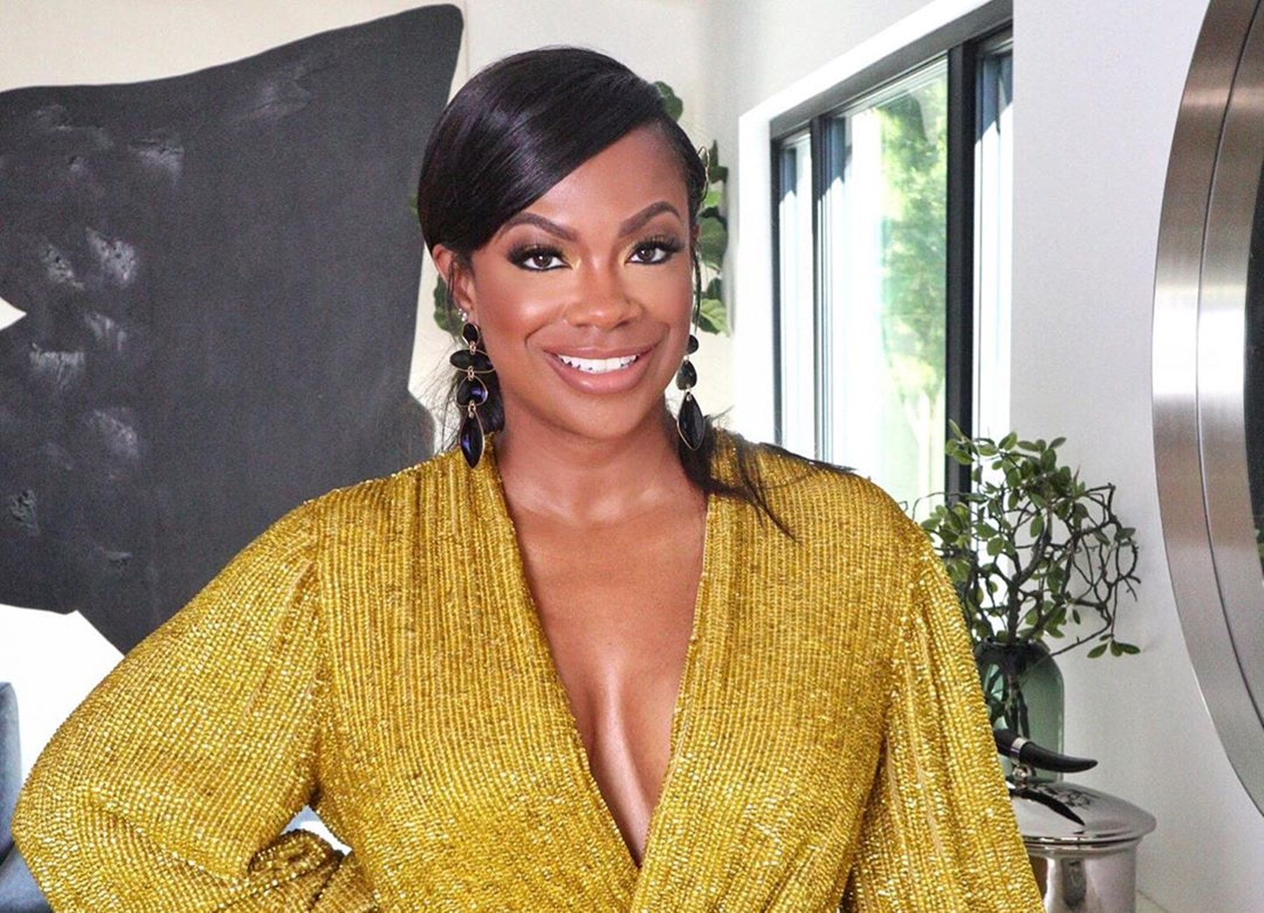 """""""kandi-burruss-unapologetically-bares-it-all-in-video-where-she-gets-a-cosmetic-procedure-done-real-housewives-of-atlanta-fans-love-the-result"""""""