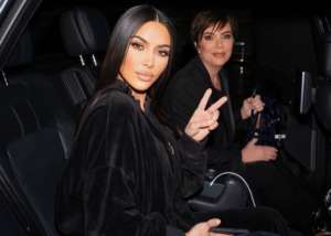 Did Kim Kardashian Kick Her Mom, Kris Jenner, Out Of The Car For A Selfie Shot?