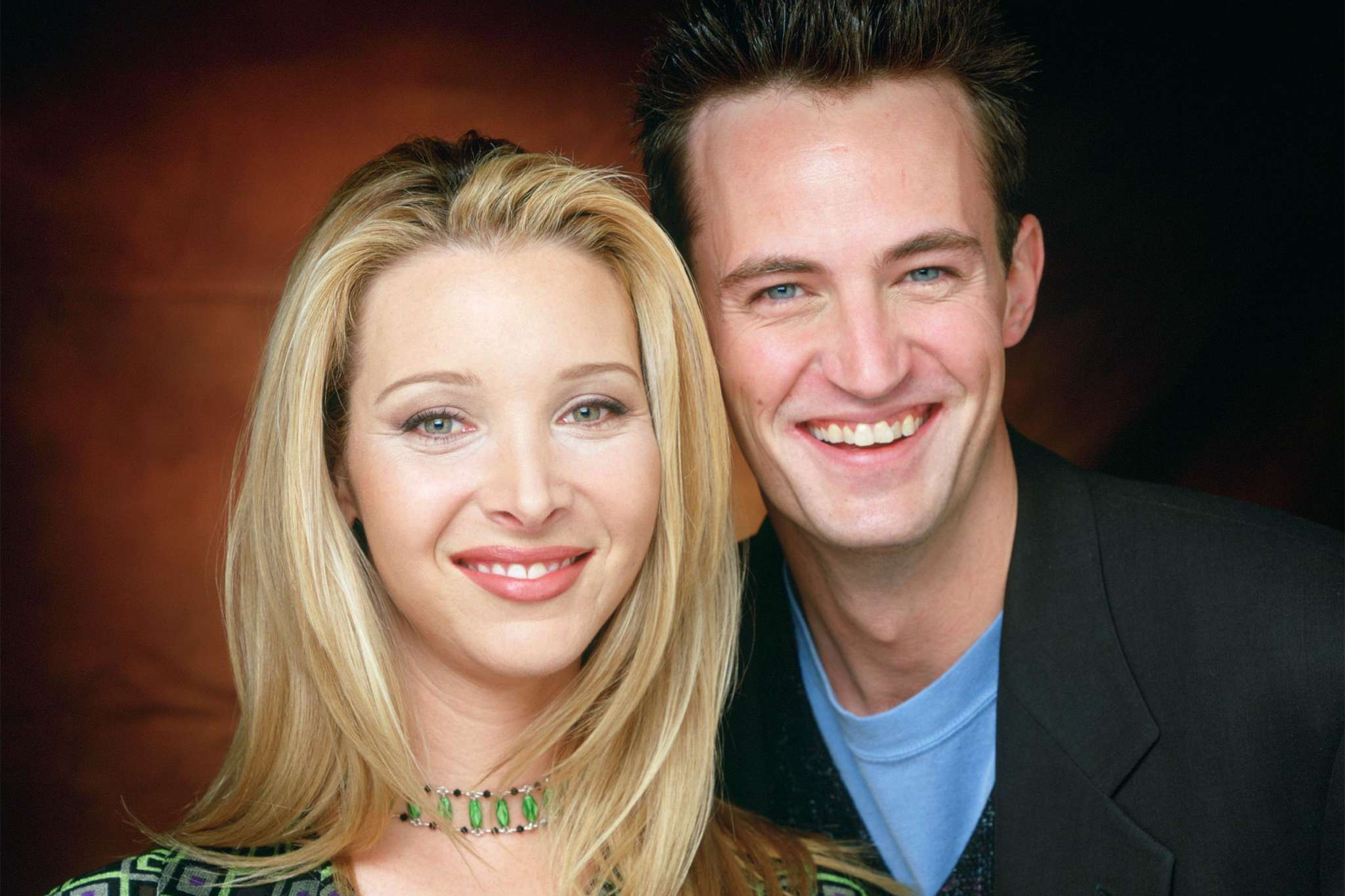 """matthew-perry-joins-instagram-and-friends-co-star-lisa-kudrow-celebrates-with-the-sweetest-post"""