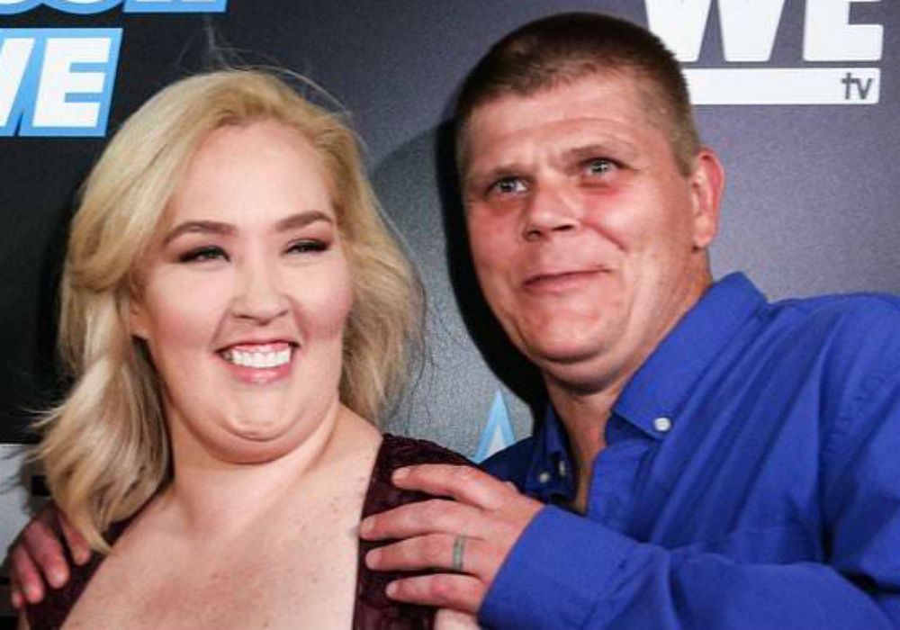 Mama June Emerges In Florida With Boyfriend Geno Doak After It's Revealed She Won't Get Paid For Upcoming Season Of From Not To Hot