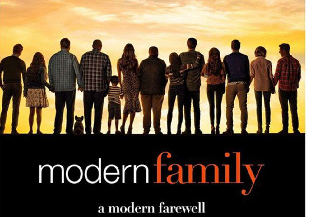 Modern Family Cast Has Emotional Final Table Read Ahead Of Series Finale