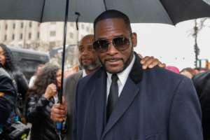 R. Kelly Is Being Praised For His God-Given Talent And Desire To Inspire And Motivate By This Famous Singer And TV Host